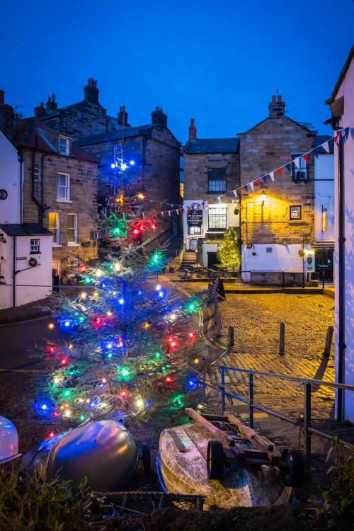 Robin Hoods Bay Christmas Scene - A5 Greetings Card